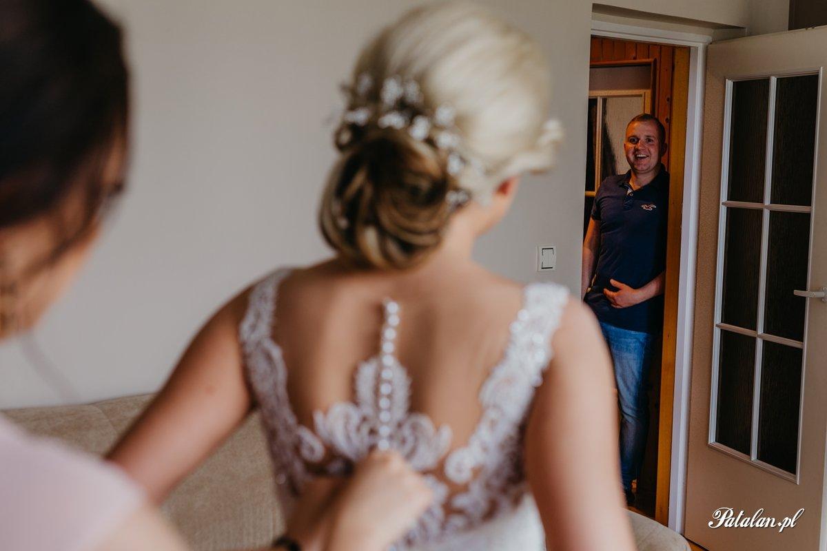 para młoda, panna młoda, suknia ślubna, wedding dresses, bukiet ślubny, makijaż ślubny, fotograf ślubny łomża, photography zambrow, fotografia ślubna zambrów, wesele zambrów