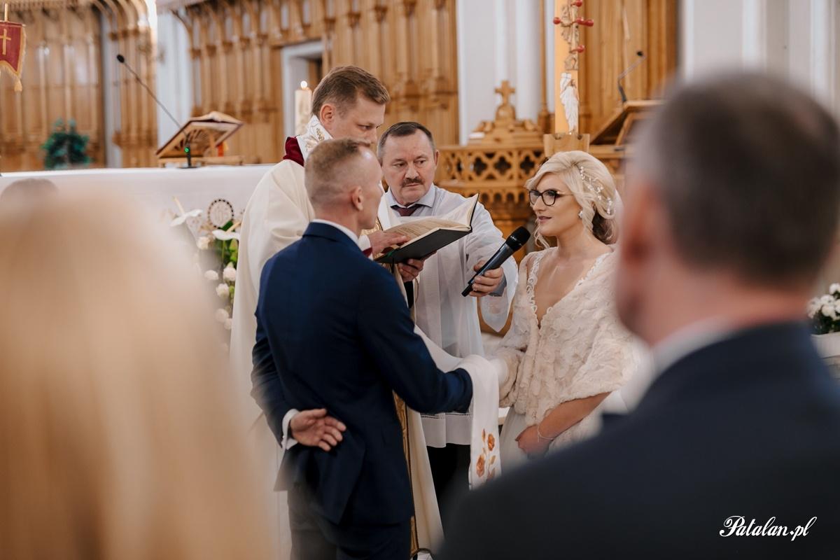 kościół śniadowo, ślub sniadowo, ceremonia ślubna śniadowo, fotograf ślubny zambrów, fotograf zambrow