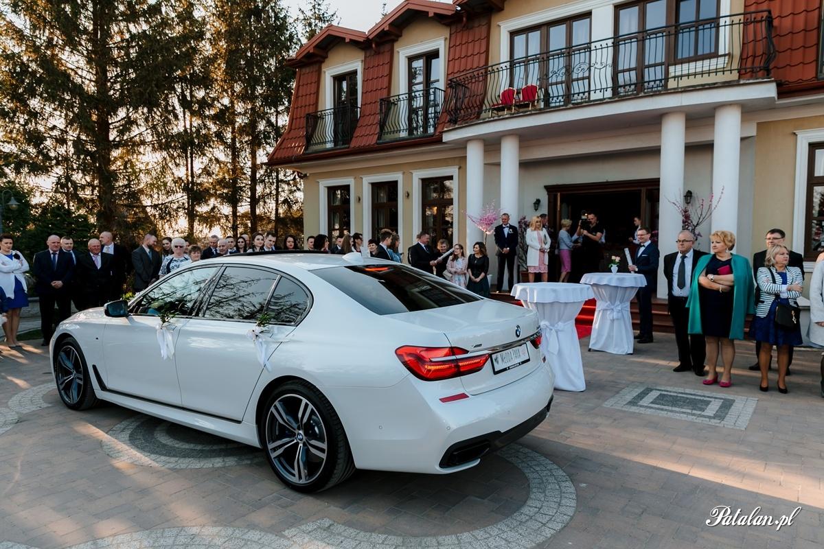 samochód na wesele, samochód na ślub, fotograf ślubny zambrów, fotograf zambrow, fotografia slubna lomza 056